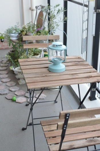 家庭のアイデア テーブルセット ikea : の手すり側にテーブルセット ...